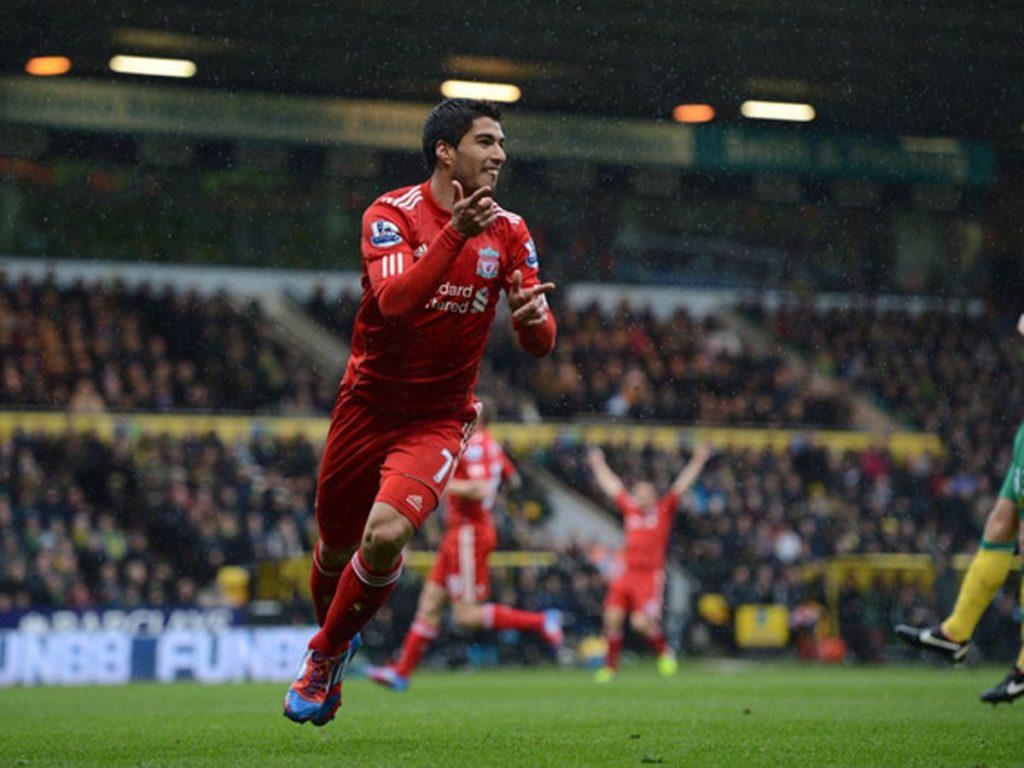 """Luís Suárez """"el pistolero"""" del Liverpool."""