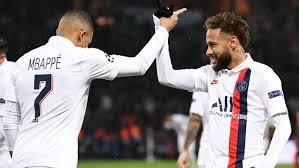 Neymar y Mbappé celebrando conjuntamente un gol del PSG en Champions League.