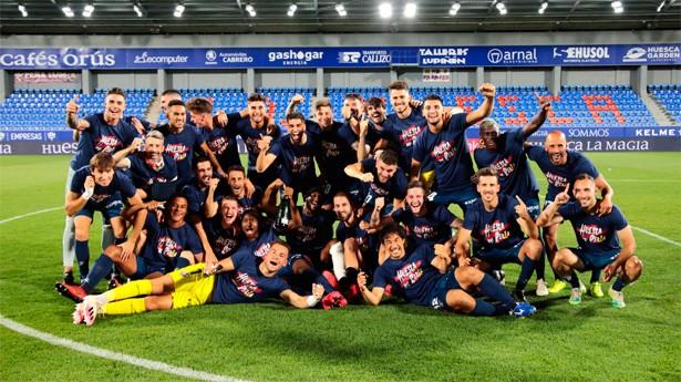 El SD Huesca celebrando el ascenso a Primera División la temporada 2019/20. Ahora, el objetivo es la salvación.