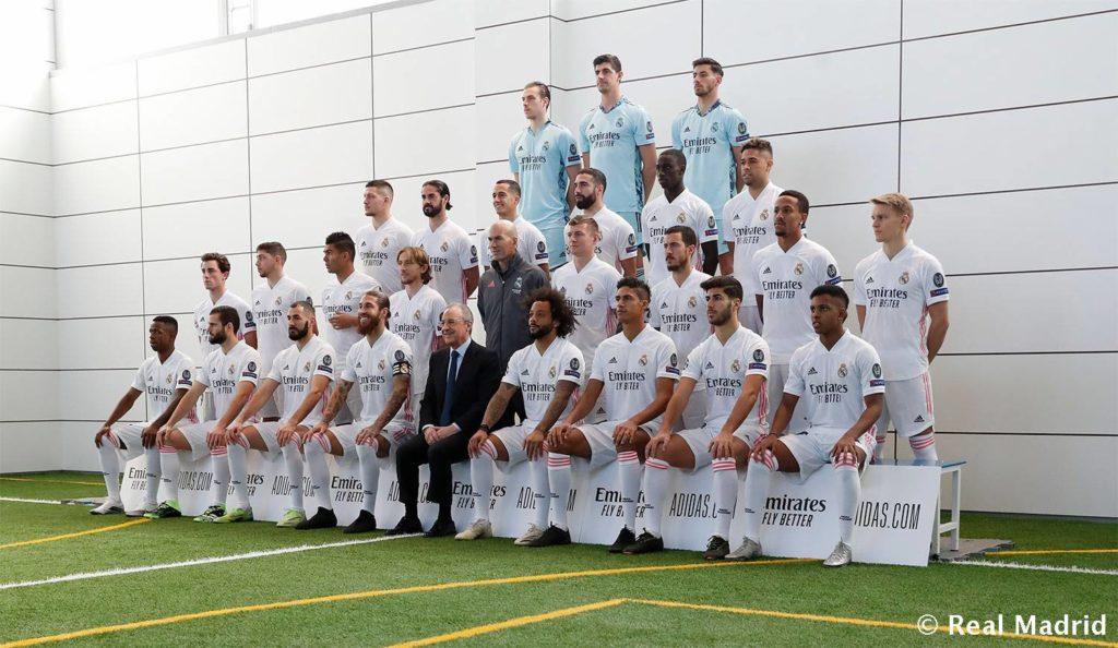 Foto oficial del Real Madrid 2020/2021 con Zinedine Zidane como entrenador.