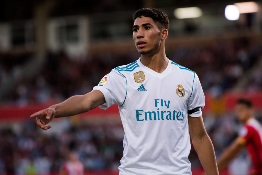 Achraf Hakimi con la camiseta del Real Madrid en la temporada 2017/18.