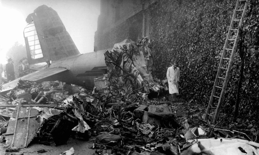 Accidente de avión, en el que viajaba el Torino, en la Basílica de Superga. Fuente: A la contra