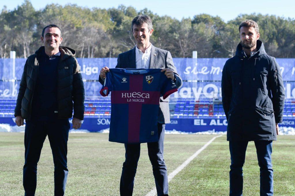 José Rojo Martín Pacheta en su presentación como nuevo entrenador de la SD Huesca. Fuente: Jornada Perfecta
